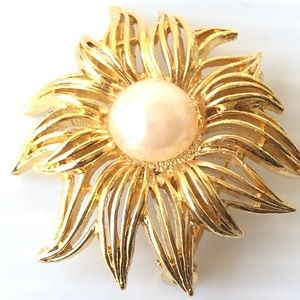 💕Sunlit Brooch Costume Jewelry